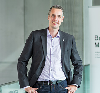 Dominik Engel